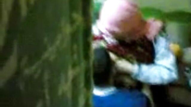 Rodaje amateur de madre borracha se folla a su hijo una pareja rusa en un albergue