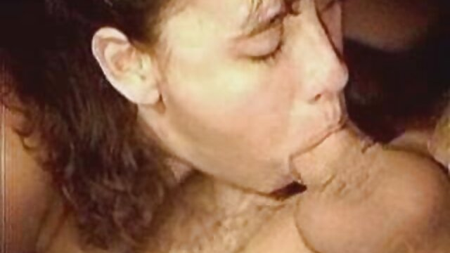 Señora del sexo follando con mi mama y mi hermana