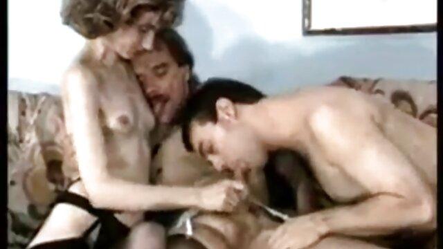 Hermoso sexo en el baño con una novia tetona madres cojiendo con sus hijo