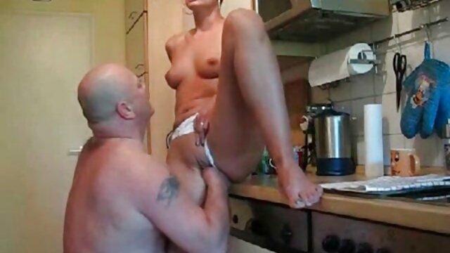 Lesbianas madre cogiendo a su hijo rusas arrastraron a un chico a la cama