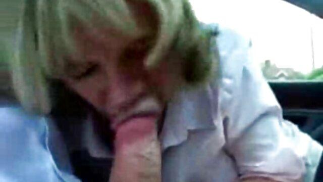 Lamernos cojiendo con mi madre tetona