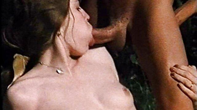 Mujer bonita se entregó a su novio se folla asu madre ala fuerza por primera vez